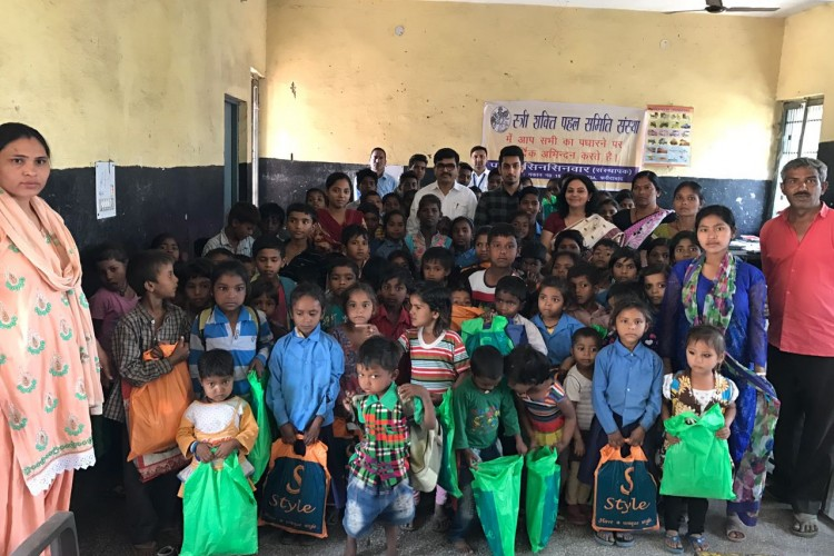 help slum children for education