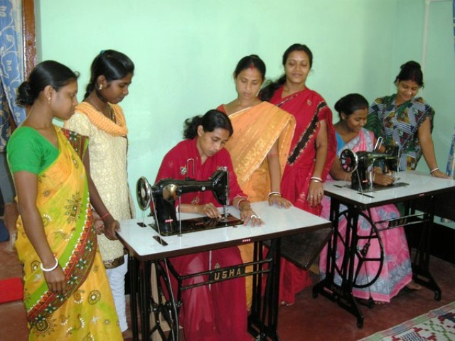 Train women to Earn & Live. Break poverty at Kharagpur of Paschim Medinipur District in West Bengal