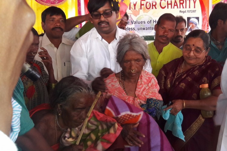 Blanket Distribution to Homeless and poor Senior Citizens