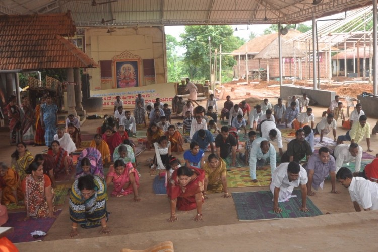 To Teach Free Yoga for the Villagers of All Ages in India