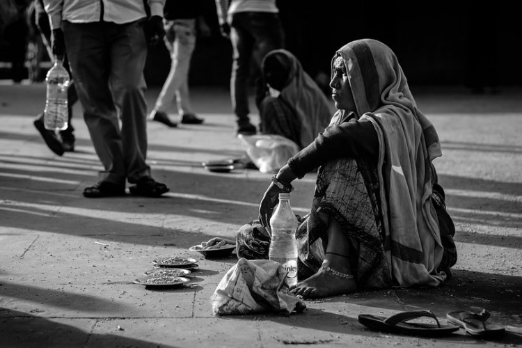 Helping the poor with daily needs, please read till end.
