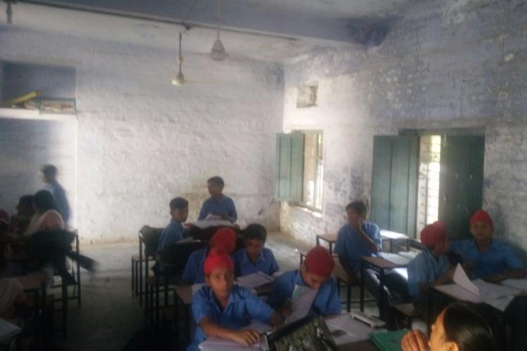 help for poor pupils at govt. sen.sec.school,chanaulibassi