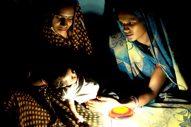 Spreading Solar lights in the Villages of India