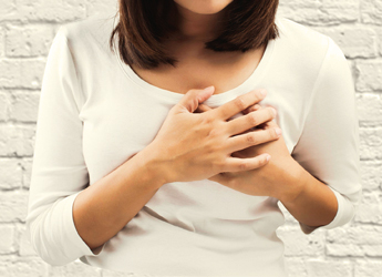 Breast cancer symptoms and causes: Watch out for these warning signs